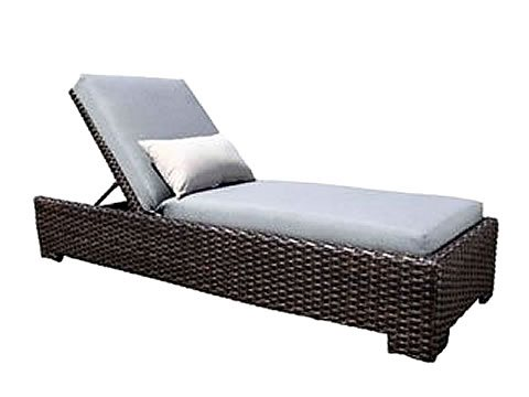 wicker-chaise-lounge